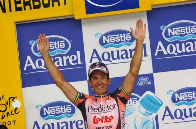 Robbie McEwen on the podium in Canterbury, United Kingdom.