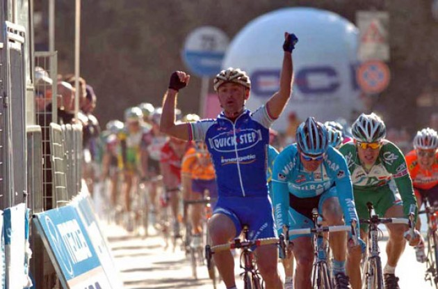 Paolo Bettini takes the win for Quick Step ahead of Erik Zabel (Milram) and Thor Hushovd (Credit Agricole). Photo copyright Fotoreporter Sirotti.