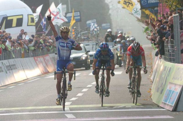 Bettini wins the final race of the season ahead of Simoni and Schleck. Photo copyright Fotoreporter Sirotti.