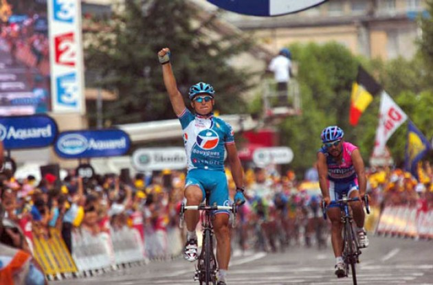 Fedrigo takes the stage win ahead of Commesso and Vandevelde. Photo copyright Fotoreporter Sirotti.