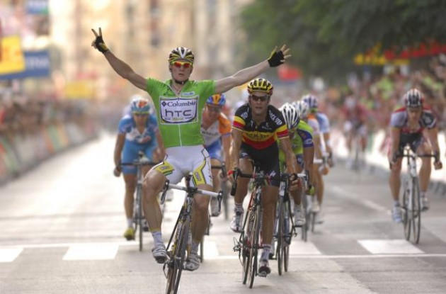 Greipel wins stage 5 and takes overall lead. Photo copyright Fotoreporter Sirotti.