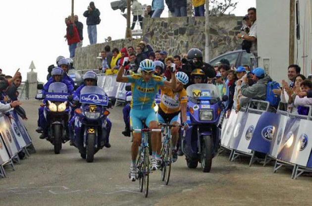 Kashechkin wins stage. Photo copyright Fotoreporter Sirotti.