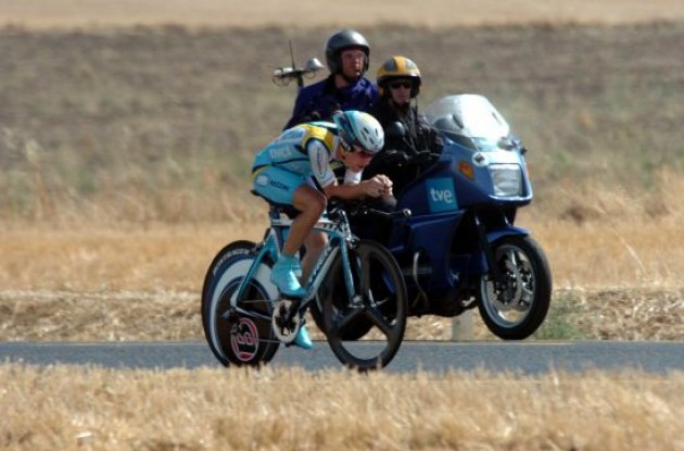 Levi Leipheimer (Team Astana) on his way to a great victory.