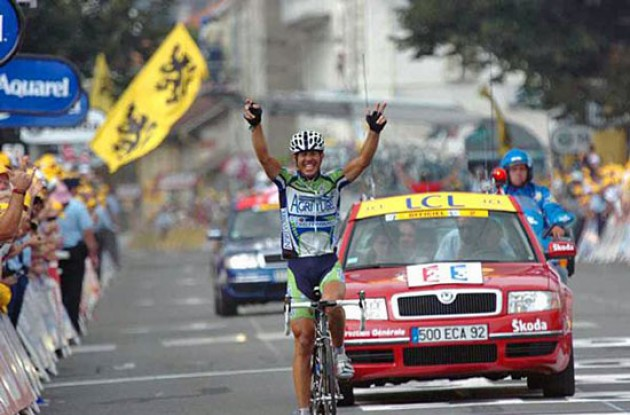 Juan Miguel Mercado takes the stage win. Photo copyright Fotoreporter Sirotti.