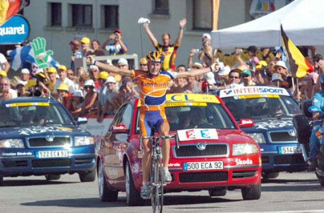 Michael Rasmussen (Rabobank) takes a beautiful stage win. Photo copyright Fotoreporter Sirotti.