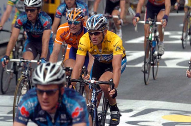 Lance Armstrong arriving at today's finish. Photo copyright Fotoreporter Sirotti.