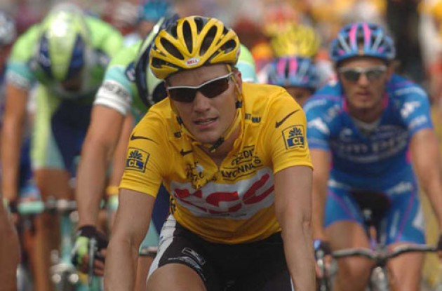 Zabriskie in yellow. Photo copyright Fotoreporter Sirotti.