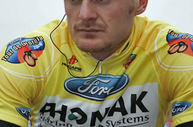 Floyd Landis (Phonak - iShares) contemplating. Photo copyright Ben Ross/Roadcycling.com/www.benrossphotography.com.