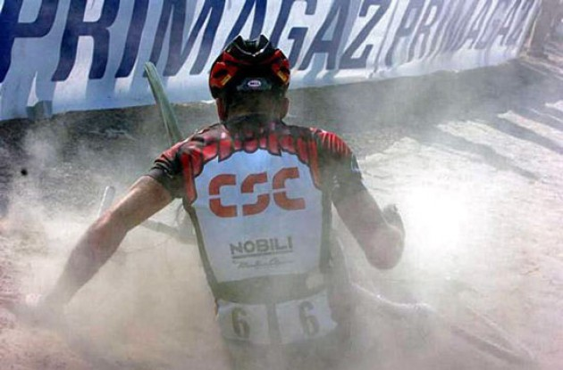 Dane Lars Michaelsen (Team CSC) crashed few kilometers from the finish. Had it not been for the crash he would likely have finished 2nd. This was Lars' final race.
