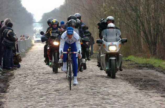 Tom Boonen (Quick Step) did some serious testing today. Photo copyright Fotoreporter Sirotti.