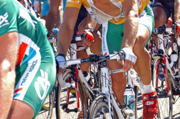 Thor Hushovd looking good in yellow. Photo copyright Roadcycling.com.