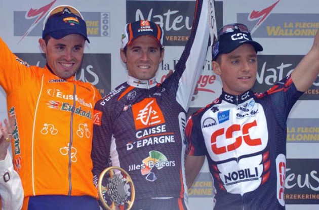 Top 3: Valverde, Sanchez and Kroon on the podium. Photo copyright Fotoreporter Sirotti.