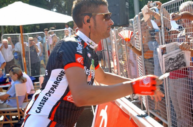 Pereiro signs. Photo copyright Roadcycling.com.