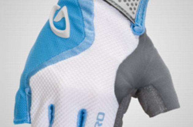 Giro Tessa Women's cycling gloves.