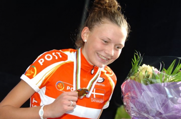Bronze winner on home turf Christina Siggaard shows how charming and proud she is. Photo Fotoreporter Sirotti.