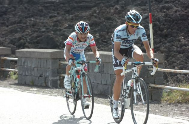 Alberto Contador and Jose Rujano lead the way. Photo Fotoreporter Sirotti.