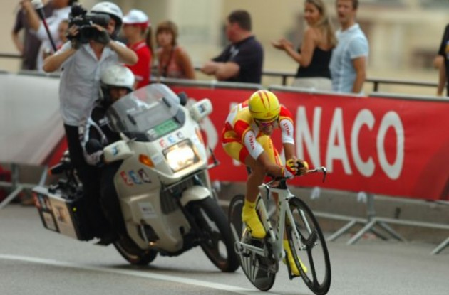 Spanish time trial champion Alberto Contador (Team Astana) on his way to finishing 2nd in today's important time trial. Photo copyright Fotoreporter Sirotti.