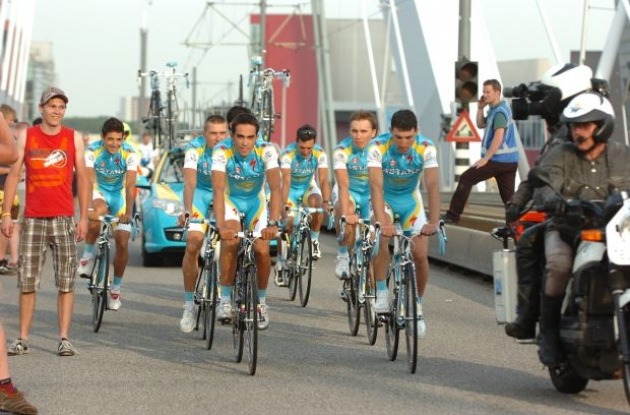 Alberto Contador and the rest of the Astana 2010 Tour de France team arrives at the team presentation in Rotterdam on Friday. Photo copyright Fotoreporter Sirotti.