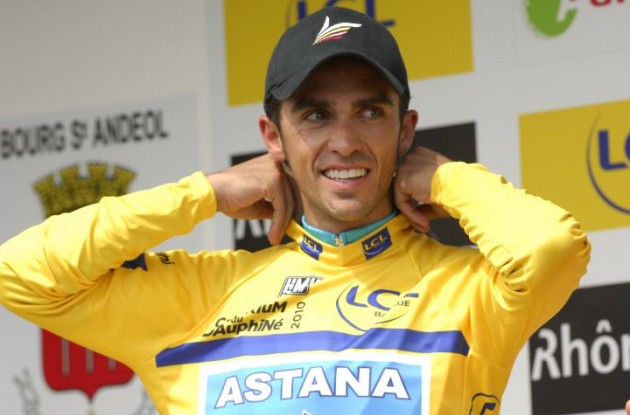 Alberto Contador (Team Astana) is back in yellow! Photo copyright Fotoreporter Sirotti.