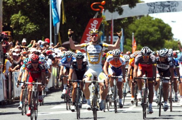 Andre Greipel wins! Photo copyright Fotoreporter Sirotti.