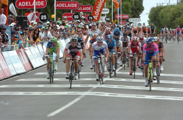 Team Lotto-Belisol's Andre Greipel powers to stage victory ahead of Alessandro Petacchi (Lampre-ISD) and Hutarovich of Team FDJ-BigMat. Photo Fotoreporter Sirotti.
