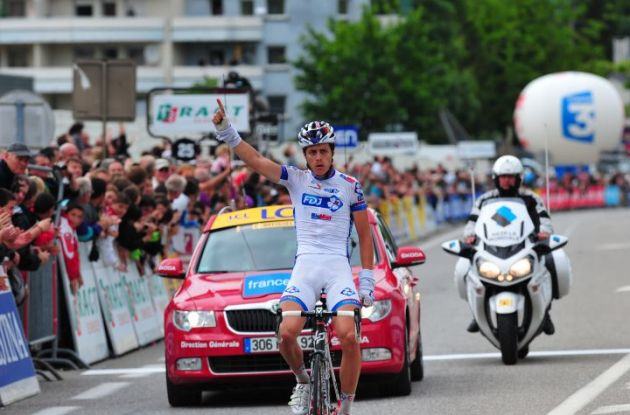 Team FDJ-Big Mat's Arthur Vichot soloes to stage victory in 2012 Criterium du Dauphine Libere. Photo Fotoreporter Sirotti.