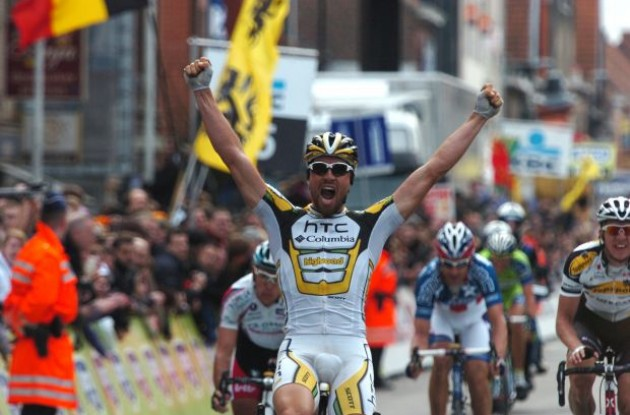 Bernhard Eisel wins the 2010 Gent-Wevelgem (Team HTC-Columbia). Photo copyright Fotoreporter Sirotti.