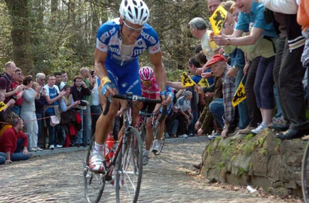 Boonen fights his way up one of the many steep climbs. Photo copyright Fotoreporter Sirotti.