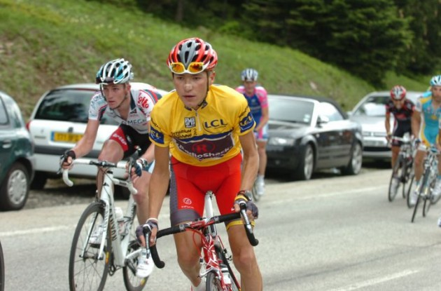 Janez Brajkovic attacks in last year's Dauphine Libere. Photo Fotoreporter Sirotti.