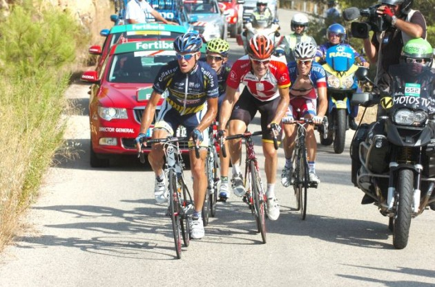 Breakaway group riding hard. Photo copyright Fotoreporter Sirotti.