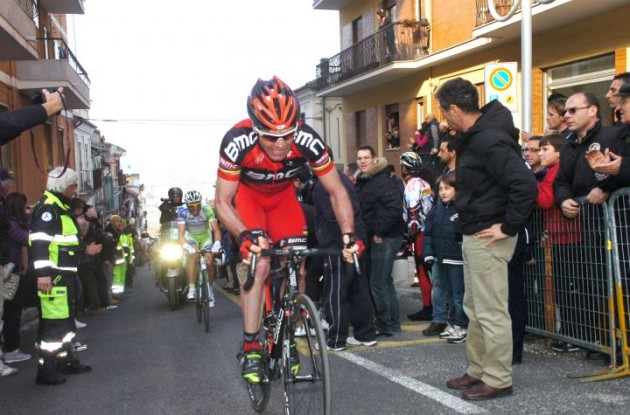 Team BMC Racing's Cadel Evans climbs. Photo Fotoreporter Sirotti.