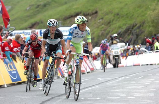 Ivan Basso leads Andy Schleck and Cadel Evans up the final Luz Ardiden climb. Photo Fotoreporter Sirotti.