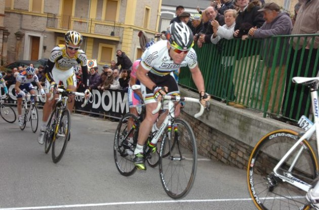 Michael Rogers (L). Will he keep up with Cadel Evans on the hard climbs of the 2010 Tour de France? Stay tuned to Roadcycling.com to find out! Subscribe to our RSS news feed today. Photo copyright Fotoreporter Sirotti.