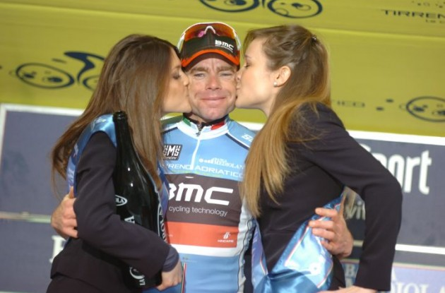 Cadel Evans is hoping to get to spend more quality time with the podium girls in the Tour de France. Photo Fotoreporter Sirotti.