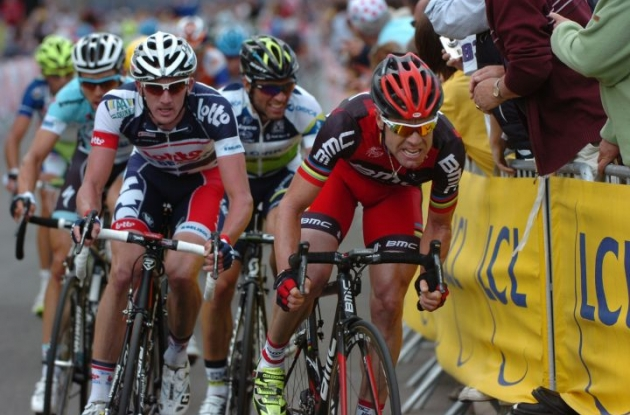 Team BMC Racing's Cadel Evans followed by Team Lotto-Belisol's Jurgen Van Den Broeck. Photo Fotoreporter Sirotti.