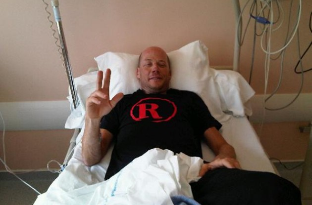 Chris Horner greets our readers from his hospital bed. Photo Philippe Maertens.