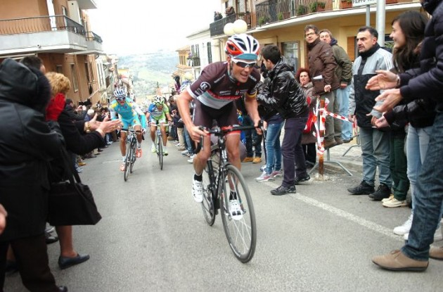 Christopher Horner on his way to the overall lead in the 2012 Tirreno-Adriatico. Photo Fotoreporter Sirotti.