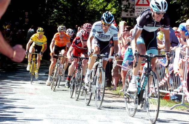 Andy Schleck, Alberto Contador, Cadel Evans and Samuel Sanchez climb. Photo Fotoreporter Sirotti.