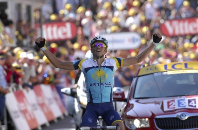 Alberto Contador wins! Photo copyright Fotoreporter Sirotti.