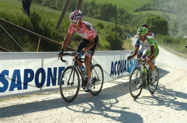 Team Garmin-Cervelo's David Millar chases back after his unfortunate crash. Photo Fotoreporter Sirotti.