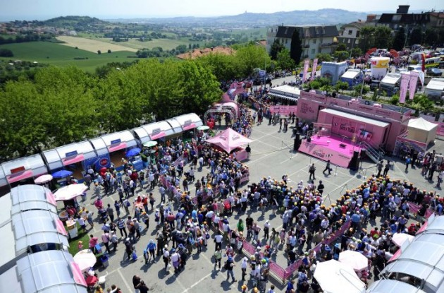 Alberto   Contador (Team Saxo Bank-SunGard) maintains overall Giro d'Italia lead. Photo Fotoreporter Sirotti.