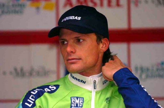 Danilo Di Luca is ready for the 2005 Giro d'Italia. copyright Fotoreporter Sirotti.