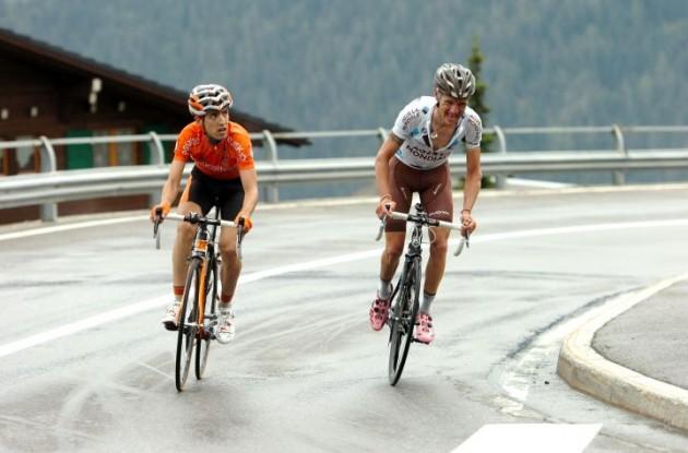 John Gadret and Mikel Nieve Ituralde climb. Photo Fotoreporter Sirotti.