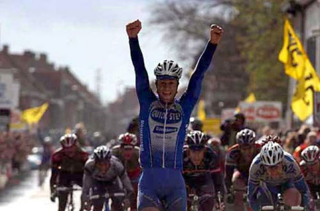 Tom Boonen wins Gent-Wevelgem ahead of Backstedt, Kirsipuu and Hincapie. Photo copyright Fotoreporter Sirotti.