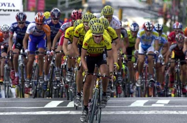 Chris Horner (Saturn) leads the pack in the final lap of the 2003 Dodge Tour de Georgia.  Photo copyright Michael Pugh.