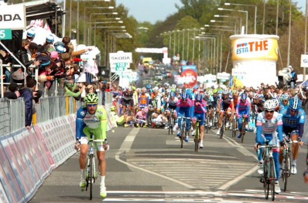 Finish line crash in Horsens, Denmark involving race leader Taylor Phinney (BMC Racing Team) and World Champion Mark Cavendish (Team Sky). Photo Fotoreporter Sirotti.