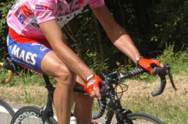 Popovych wearing the Maglia Rosa during stage 14. Will he be able to maintain his overall lead? Stay tuned to Roadcycling.com to find out! Photo copyright Fotoreporter Sirotti.