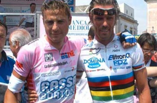 Ciao Bello!  Petacchi and Cipollini. Photo copyright Fotoreporter Sirotti.