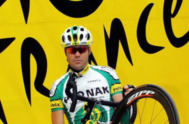 José Enrique Gutierrez (Phonak) at the Tour de France. Photo copyright Fotoreporter Sirotti.