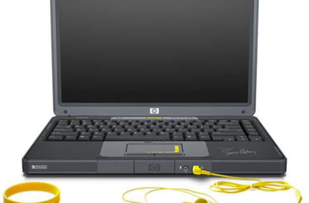 HP Special Edition L2000 Notebook. Photo copyright Roadcycling.com.